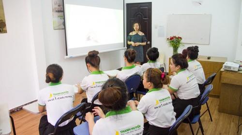 Khóa học về mặt chuyên sâu với giám đốc Thanh Huyền