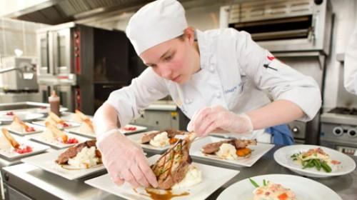 Học nghề bếp bao nhiêu tiền có tay nghề giỏi