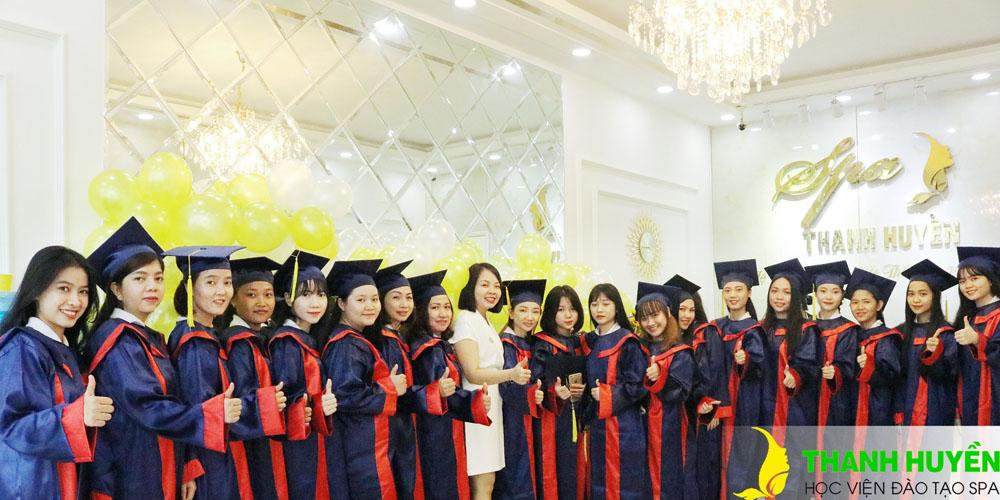 Tốt nghiệp tại Spa Thanh Huyền